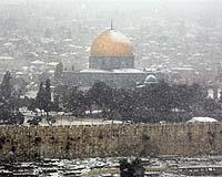 Snow blankets Jerusalem in Mideast freeze