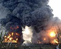 oil-explosion-buncefield-depot-11-dec-afp-bg.jpg